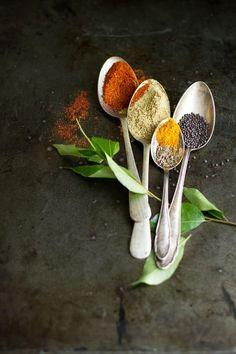 petitcabinetdecuriosites:  (via spices | styling: dark foods | Pinterest)