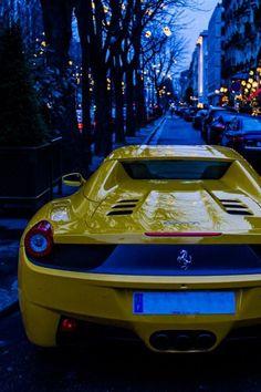 ¿Te apasionan los coches de lujo? Te mostramos los más populares (y deseados) de Pinterest.  Estar al volante de uno de estos modelos es el sueño de muchos. Desde Mercedes hasta Lamborghini o Maserati. Automóviles de las mejores marcas que consiguen que, a su paso, todos se giren. Diseños impresionantes, gran potencia y, sobre todo, exclusividad. #coches #lujo #joyce #cars #Mercedes #Lamborghini #Maserati
