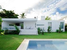 House Carqueija by Bento+Azevedo http://www.homeadore.com/2012/11/09/house-carqueija-bentoazevedo/
