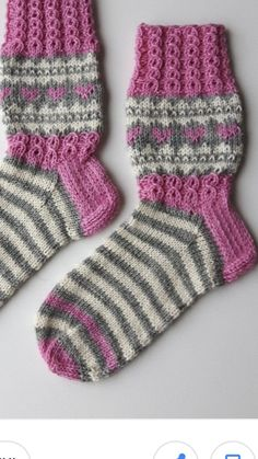 Knitting For Kids, Knitting Socks, Knitting Projects, Knitting Patterns Free, Free Knitting, Baby Knitting, Crochet Slippers, Knit Crochet, Cheap Yarn