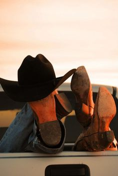 Valerie Brooker Photography -western engagement idea