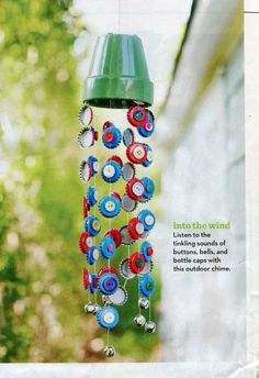 A Children's Garden: 7 Sunny Garden Crafts including wind chimes made with bottle tops and buttons Family Crafts, Fun Crafts For Kids, Summer Crafts, Art For Kids, Arts And Crafts, Carillons Diy, Recycled Crafts, Diy Crafts, Recycled Materials