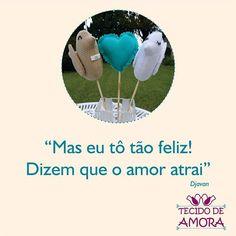 Bom dia!!! Quem está feliz? Compartilhe com seu amor! #amor #carinho #feliz #bomdia #artecomtecido #artesanato #feitoamao #passarinhos #noivinhos #coração #topodebolo #tecido #tecidodeamora