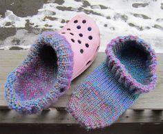 Ravelry: Croc-Socks (knit version) pattern by Susan Luongo Loom Knitting, Knitting Patterns Free, Free Knitting, Knitting Socks, Crochet Patterns, Crocs Fashion, Granny Square Crochet Pattern, Knitted Slippers, Tear