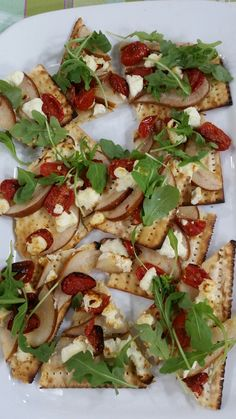 Matzo Pizza - 8 Ways for 8 Days - Try all our matzo pizza recipes for fun, variety and delicious Passover lunches.