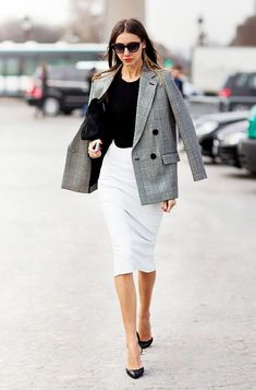 Squelching temperatures? Try a tailored cotton dress for a chic office look. Thanks, @Ivanka Trump!
