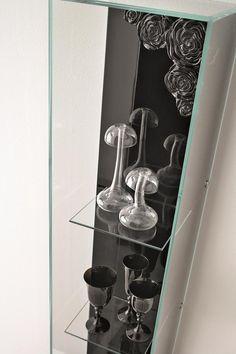 Irresistible and precious: GLASS CASE #popart #arte #passione #arredamento #mobili #furniture #glasscases #design #interiordesign #italiandesign #madeinItaly #photograph #MAROSOGINO #philosophy