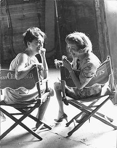 WHATEVER HAPPENED TO BABY JANE? (1962) - Joan Crawford  Bette Davis on the set - directed by Robert Aldrich - Warner Bros.