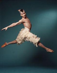 Swan Lake with Adam Cooper (Swan) / chor. Ballet Boys, Male Ballet Dancers, Dance Like This, Just Dance, Ballet Photos, Dance Photos, Dance Pictures, Adam Cooper, Dance Dreams