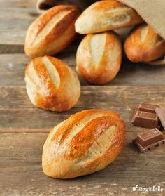 Milk Bread ~ L´Exquisit Pan Dulce, Mexican Food Recipes, Sweet Recipes, Filet Mignon Chorizo, Mexican Bread, Colombian Food, Vegan Bread, Bread And Pastries, Artisan Bread