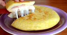 L'omelette De Patate à L' Italienne. (Ham and Cheese Potato Omelette) Mexican Food Recipes, Italian Recipes, Tapas, Good Food, Yummy Food, Paella, Catering, Foodies, Food Porn