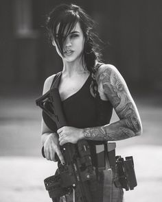 shitting girl gun Women in the military . Women with guns . Girls with weapons Alex Zedra, Military Women, Military Army, Military Female, Female Soldier, Army Soldier, Warrior Girl, N Girls, Army Girls