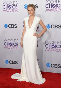 Taylor Swift wearing Ralph Lauren at the 39th Annual People's Choice Awards.