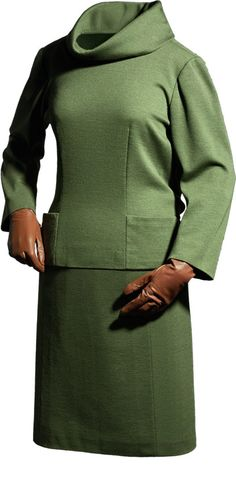 Balenciaga  Jersey y falda en punto liso de lana verde  1957