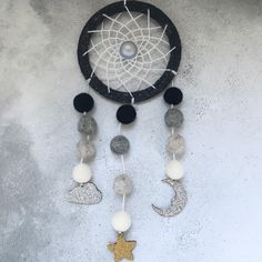 ✨New to Oh Sew Evie✨ It's got glitter and it's in monochrome with a dash of gold. What's not to love? Usher in those sweet dreams with this new dreamcatcher. Available to order now!