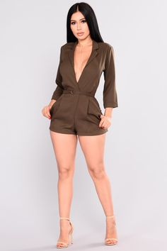 Rompers & Jumpsuits for women - Affordable Shopping Online – 4 Sexy Dresses, Casual Dresses, Short Dresses, Fashion Models, Girl Fashion, Womens Fashion, Girl Outfits, Cute Outfits, Fashion Outfits