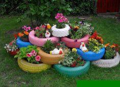 Tekerelekler ile bahçe dekorasyonu ve saksı yapma    Moda Dekorasyonlar Outdoor Plants, Outdoor Gardens, Small Gardens, Outdoor Decor, Tire Garden, Garden Art, Home And Garden, Lawn And Garden, Garden Design