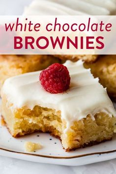 Instead of chocolate, try these homemade 1 bowl white chocolate brownies. The flavor is unbelievable and they're so simple! Recipe on sallysbakingaddiction.com #whitechocolate #brownies #easyrecipes #easybaking Trifle Desserts, Fun Desserts, Delicious Desserts, Yummy Food, Brownie Recipes, Chocolate Recipes, Chocolate Lovers, White Chocolate Brownies, Dessert For Dinner