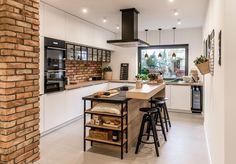 Love this modern matte kitchen space? Shop the unique look at REHAU Kitchen Room Design, Kitchen Dinning, Modern Kitchen Design, Home Decor Kitchen, Interior Design Kitchen, Home Kitchens, American Kitchen Design, Modern Kitchen Interiors, Kitchen Trends