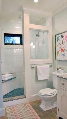 Doorless / Curtainless Walk-in Shower