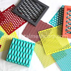 PVDF coated aluminum Expanded Metal Mesh manufacturer & supplier in China Metal Mesh Screen, Decorative Metal Screen, Expanded Metal Mesh, Balcony Railing Design, Creative Wall Decor, Container Architecture, Perforated Metal, Ceiling Panels, Wooden Case
