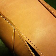 Leather Bag  #leather #leathercraft #handcut #handsewn  #handcraft #leatherbag  #bag #革細工 #革小物 #手裁ち #手縫い #革物工房大輔 #バッグ #鞄