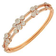 Jeri Cohen. Rose Gold Oval Diamond Bracelet with Diamond Florettes. Modern