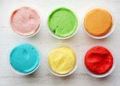 Massinha Caseira play doh colorida com tang receita - Aquele pozinho usado para fazer refrescos... Vamos usar para tingir a massinha.
