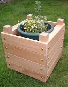 12 Outstanding DIY Planter Box Plans, Designs and Ideas | The Self-Sufficient Living Diy Wood Planter Box, Planter Box Designs, Diy Wooden Planters, Elevated Planter Box, Planter Box Plans, Garden Planter Boxes, Cedar Planters, Wooden Diy, Porch Planter