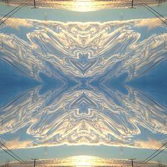 "@instadunk's photo: ""Hourglass. #mirrorgram #mirrorgramprojects #mirrorgramchi #plpix #powerlines #cloudporn #epicsky #editjunky #elev8edphotography #artstudio #choppinpix #crystaledits #glitchmobinspired"""