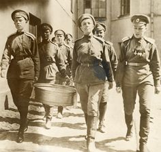 Members of the WWI Russian women's Battalion of Death carry pots. - - Rights Managed - Stock Photo - Corbis Military Art, Military History, Women In History, World History, World War One, First World, National Geographic Images, Bald Women, Troops