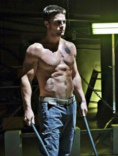 You know what I sure miss, Arrow? Shirtless Oliver. Shirtless. Oliver.