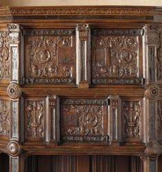 cr dence renaissance richement sculpt e style renaissance pinterest renaissance. Black Bedroom Furniture Sets. Home Design Ideas