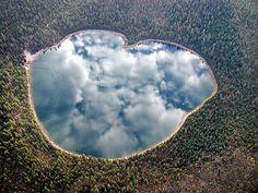 Le ciel s'est trouvé un joli miroir... / Lac jumeau nord. / North Twin lake. / Oregon. / USA. / By Q Myers.