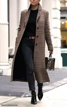 My favorite plaid coat (Brooklyn Blonde) accessories influence. - My favorite plaid coat (Brooklyn Blonde) accessories influencer magazine - Brooklyn Blonde, Mode Outfits, Stylish Outfits, Fashion Outfits, Womens Fashion, Fashion Ideas, Fashion Coat, Fashion Fashion, Fashion Trends
