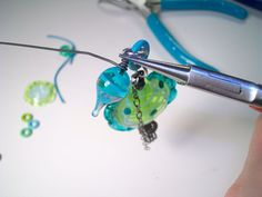 Genea Beads: Wire-Wrapped Spiral Bail Dangles Tutorial(Part 2)