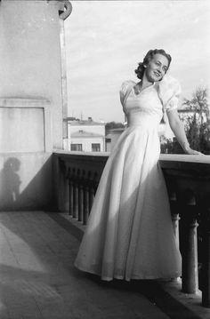 1941 White Dress, Dresses, Fashion, Vestidos, Moda, Fashion Styles, The Dress, Fasion, Dress