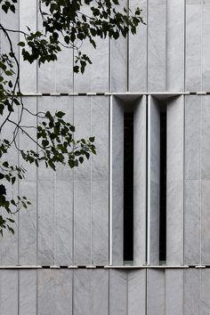 Lisbon Stone Block, Lisboa - Alberto de Souza Oliveira