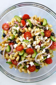 Greek pasta salad with red wine vinaigrette recipes Greek Salad Pasta, Soup And Salad, Best Pasta Salad, Easy Pasta Salad Recipe, Pasta Recipes, Ham Recipes, Lunch Recipes, Recipies, Pasta Salat