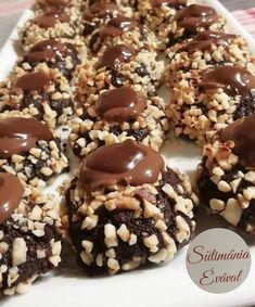 Már régen őrizgettem ezt a receptet, de mindig más lett a befutó. Kár volt sokáig várni vele, nagyon finom. Akár húsvéti vendégvárónak is szuper. hozzávalók Tészta : 14 dkg finomliszt 3 dkg cukrozatlan kakaópor 10 dkg porcukor 1 csomag vaníliás … Egy kattintás ide a folytatáshoz.... → Nutella, Cookie Recipes, Cereal, Sweets, Cookies, Baking, Breakfast, Cake, Food