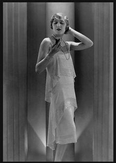George Hoyningen-Huene, dress by Lucien Lelong, 1929 © Condé Nast Archive/Corbis