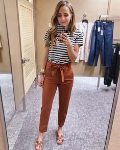 Orange Pants Outfit, Colored Pants Outfits, Linen Pants Outfit, Black Dress Pants, Black Pants Outfit Dressy, Casual Pants, Casual Work Outfits, Business Casual Outfits, Cute Business Casual