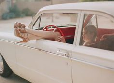 photo by Messina car models The Luminous Portrait by Elizabeth Messina ⋆ Ruffled Wedding Photography Poses, Vintage Photography, Photography Photos, Adventure Photography, Editorial Photography, Trucks And Girls, Car Girls, Car Pictures, Senior Pictures