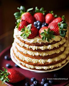 Shortcake with white chocolate, nuts, strawberries and blueberries | Flickr - Photo Sharing!