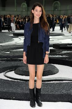 Astrid Berges Frisbey Photos: Chanel - Photocall Paris Fashion Week Spring/Summer 2011