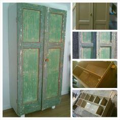 Kast van antieke deuren