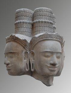 Brahma. Cambodge, province de Siemreap, Phnom Bok, style du Bakheng, fin 9ème - début 10ème siècle, grès. Musée Guimet,Paris.