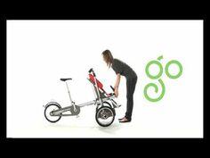 Een fiets en buggy in 1