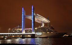 Cruise ship passing under the Jacques Chaban-Delmas bridge // Bordeaux - France