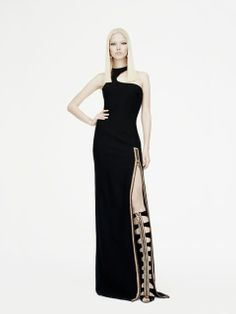 Versace PRE-SPRING 2015 #versace @Versace #spring #2015 #fashion #style #look #woman See all pics at: http://www.bookmoda.com/?p=12580